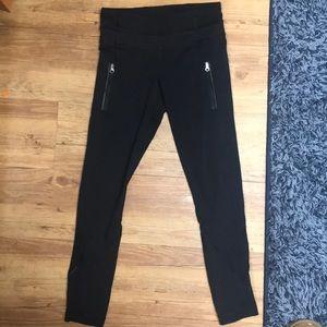 Black LuLu leggings!